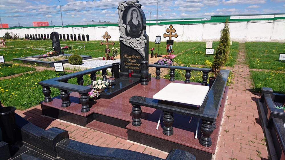 Памятники из гранита в Запорожье