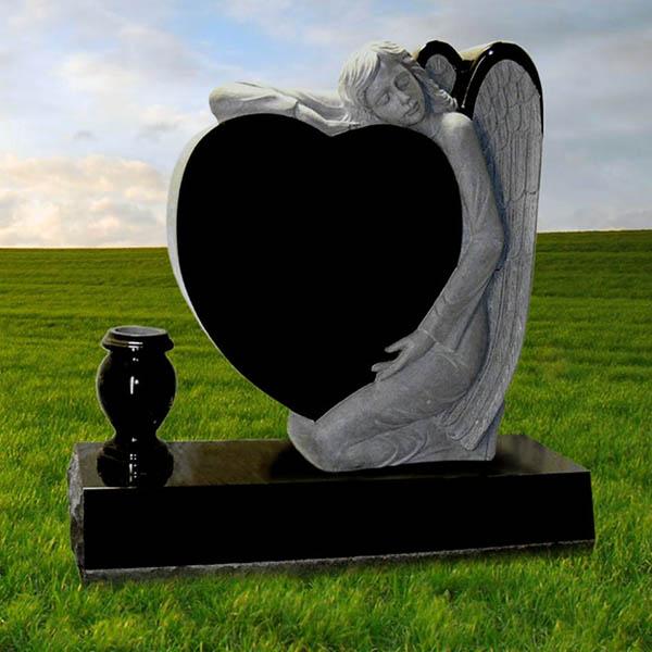 Гранитные памятники в виде сердца